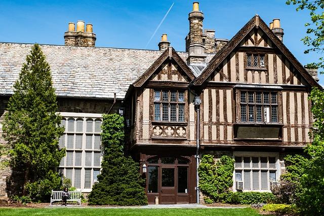 Ekspert radzi: Jak sprzedać dom bez zgody wszystkich spadkobierców