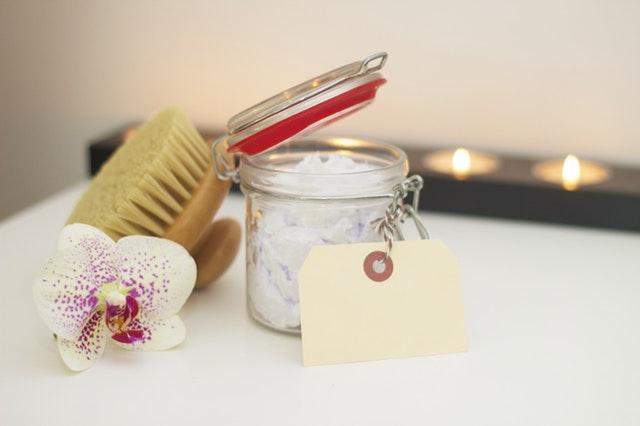Kosmetyki naturalne, ekologiczne a organiczne. Jakie są różnice?